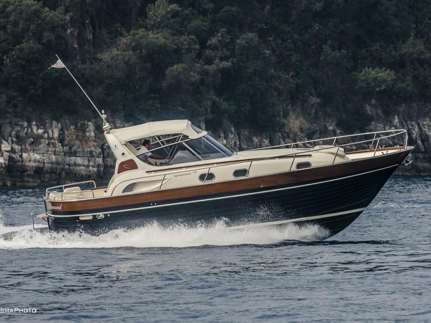 Luxury Boats   Mar Amar boat tour