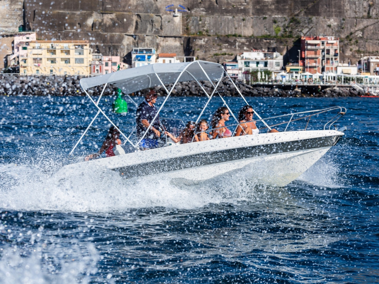 SELF DRIVE BOAT   Mar Amar boat tour